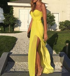 Summer glow ☀️ . . . . . . . . . . . . . #cute #inspo #instapic #amazing #perfect # instalike #instalove #inspiration #photooftheday #beauty #fashion #fashionselection #fashionable #fashionblog #fashionista #mydubai #fashionblogger #love #girl #goals #style #stylish #beautiful #followme #bestoftheday #russiangirl #persiangirl #iraniangirl #swedishgirl #dubai
