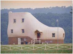 shoe shaped building, Pennsylvania