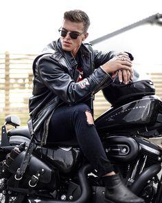 45 ideas for motorcycle style outfit men Motorcycle Men, Motorcycle Style, Biker Style, Leather Jeans Men, Denim Jacket Men, Men's Leather, Photo Pour Instagram, Biker Photoshoot, Biker Photography