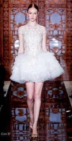 Reem Acra vestido de novia corto