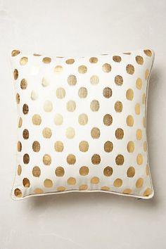 pretty polka dot pillow {love this}