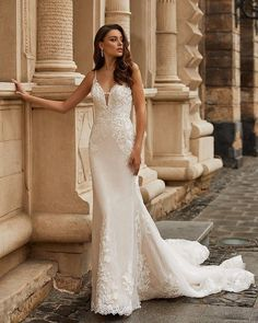 Wedding Chicks® (@weddingchicks) • Instagram photos and videos Wedding Dress Trends, Bridal Wedding Dresses, Bridal Lace, Affordable Wedding Dresses, Gowns Of Elegance, Wedding Dress Sleeves, Stunning Dresses, The Dress, Spring Summer
