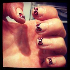 Polka dot red nails <3 <3