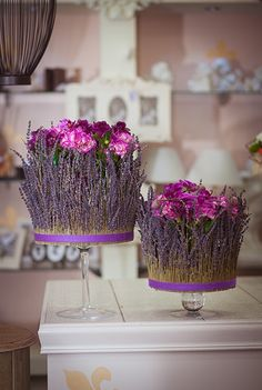 Композиция цветов с лавандой и гвоздиками - Аромат Прованса Easter Table Decorations, Flower Decorations, Flower Crafts, Flower Art, Lavender Crafts, Modern Flower Arrangements, Floral Room, Decoration Originale, Arte Floral