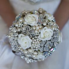 DIY Brooch bouquet - with foam roses I WILL BE MAKING THIS ONE FOR MY FRIEND