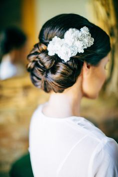 Chic hair and accessory. Photography: Natasja Kremers - nkphotographyblog.com