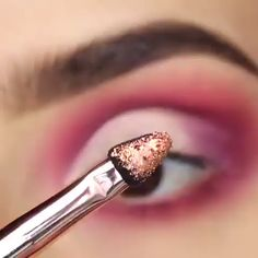 Eyeliner is one of the best type of eye makeup that helps to enhance your eyes and make it look more beautiful. By applying eyeliner you can accentuate your eyes…View Post Eye Makeup Tips, Eyebrow Makeup, Makeup Goals, Skin Makeup, Makeup Inspo, Eyeshadow Makeup, Makeup Inspiration, Sparkly Eyeshadow, Eyeliner Ideas
