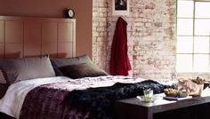 Soveromsinnredning: Rustfarger kan gjerne kombineres med rustikke detaljer på soverom.