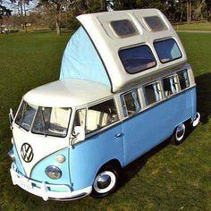 Combi VW, I think it's an english camper Vw Camper Bus, Vw Caravan, Mini Camper, Caravan Ideas, Vw Camper For Sale, Vw For Sale, Popup Camper, Rv Campers, Vintage Campers