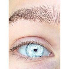 Tag someone w blue eyes