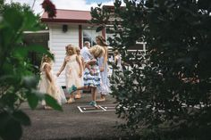 A crafty wee shot from talented photographer Rambo Estrada.  He's a gentle guy who loves surfing and shooting weddings in the Bay of Plenty and around the world! http://www.estradaweddings.co.nz/portfolio/tauranga-wedding-photographer-ataahua-garden-venue/