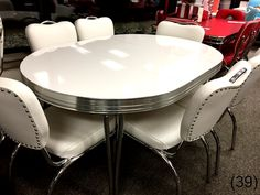 COOL Retro Dinettes | 1950's Style | Canadian Made Chrome Sets Retro Table And Chairs, Retro Kitchen Tables, Retro Dining Rooms, Retro Dining Table, Vintage Kitchen Decor, Retro Home Decor, Bar Chairs, Kitchen Booths, Diner Table