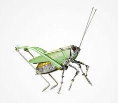 Feitos com partes metálicas de veículos como carros e bicicletas, estes insetos meio steampunk são verdadeiras obras de arte do artista francêsEdouard Martinet, assíduo frequentador de mercado de …