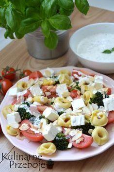 Sałatki na imprezę - pyszne, proste i szybkie przepisy Soup Recipes, Salad Recipes, Pasta Salad With Tortellini, Succulent Care, Big Meals, Broccoli Salad, Cobb Salad, Food Print, Buffalo Chicken