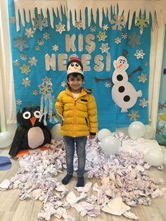 Preschool Games, Kindergarten Activities, Preschool Crafts, School Door Decorations, Elephant Crafts, Crazy Hats, Winter Festival, Art Curriculum, Art N Craft