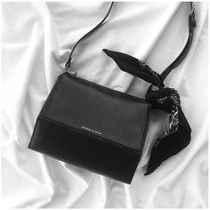 Purses And Handbags Casual Cute Handbags, Cheap Handbags, Purses And Handbags, Popular Handbags, Large Handbags, Handbags Online, Prada Purses, Crochet Handbags, Crochet Purses