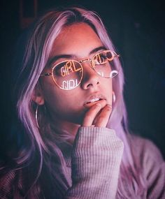 This picture is inspiring to me for some reason, not sure what exactly it is. The reflection on the glasses, the expression on the girl's face, the hair dye, I don't know but all of that do make sense to me. In short words, I'm in love with this picture.