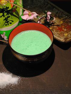 latte di mandorle al te verde matcha
