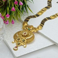 hat not to miss in the gold Mangalsutra designs waman hari pethe? Check out the top collections of the waman hari pethe Mangalsutra designs. Gold Mangalsutra Designs, Gold Earrings Designs, Gold Jewellery Design, Gold Jewelry, Swarovski Jewelry, Gold Bangles, Gold Rings, India Jewelry, Beaded Jewelry