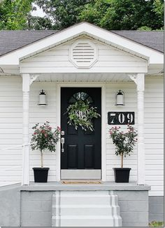 The Gatehouse: Curb Appeal Ideas - Thistlewood Farm - - Looking for curb appeal ideas? We recently transformed our gatehouse with a few curb appeal ideas. Easy, inexpensive and fun curb appeal ideas. Small Front Porches, Front Porch Design, Porch Designs, Front Deck, Front Stoop Decor, Front Porch Decorations, Front Porch Makeover, Porch Steps, Front Steps