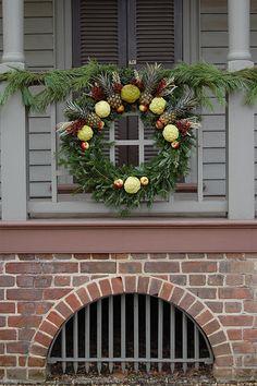 Robert Carter house wreath by catznplants, via Flickr