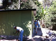 Painting a house in El Salvador (WLC Trip)