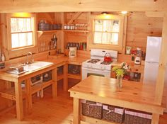 Dream tiny kitchen, so awesome!