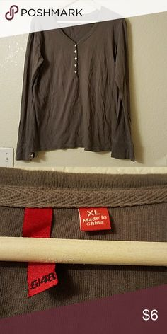 Cute gray long sleeve with button down shirt Gray button down long sleeve shirt Tops Tees - Long Sleeve
