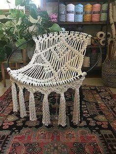 Chaise de hoop en macramé OOAK Mid Century Modern – Picture World Macrame Design, Macrame Art, Macrame Projects, Macrame Knots, Macrame Jewelry, Modern Macrame, Macrame Chairs, Hammock Chair, Diy Hammock