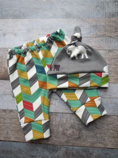 Gender neutral precious grey elephant baby hat with coordinating herringbone band, and matching herringbone legging set. This adorable modern