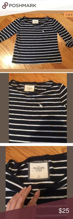 """Abercrombie Navy & White 3/4 Sleeve Shirt Sz M 8 Great top in great condition  Navy with white stripes 3/4 roll up sleeve  Boxy cut. Not as firm fitting as other AF items  Bust 36"""" Waist 36"""" Length 19.5"""" Abercrombie & Fitch Tops Tees - Long Sleeve"""
