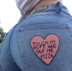 These jeans look like they flatter your butt plus I love pizza Meghan Markle, Touch Me, Tumblr Girls, Mode Style, Diy Clothes, Ideias Fashion, Girly, Casual, Fashion Tips