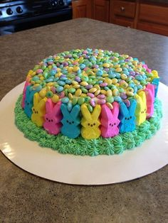 Peeps Cake Easter ostern, 10 Great Ideas for Easter Peeps Easter Peeps, Hoppy Easter, Easter Treats, Easter Cake, Easter Food, Easter Bunny, Easter Party, Easter Decor, Easter Snacks