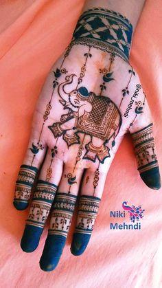 Pretty Henna Designs, Latest Bridal Mehndi Designs, Modern Mehndi Designs, Henna Art Designs, Mehndi Design Photos, Wedding Mehndi Designs, Mehndi Designs For Hands, Nail Designs, Line Nail Art