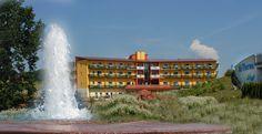 Ein Blick auf das Thermenhotel PuchasPlus und den Springbrunnen. #PuchasPlus