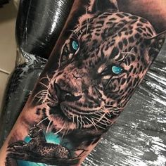 Our artist Cebaz is performing next level tattoos. those eyes! - Our artist Cebaz is performing next level tattoos… those eyes! Leopard Tattoos, Snow Leopard Tattoo, Animal Sleeve Tattoo, Lion Tattoo Sleeves, Sleeve Tattoos, Forarm Tattoos, Head Tattoos, Body Art Tattoos, Tattoo Ink