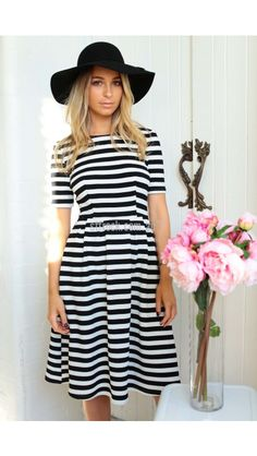 Chasing Kate Elizabeth Mid Length Dress with Pockets in Stripe