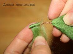 Wool Needle Felting, Wet Felting, Felt Crafts, Diy And Crafts, Fluffy Bunny, African Flowers, Felting Tutorials, Felt Brooch, Felt Art