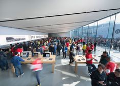 Foster + Partners completes Apple store in Hangzhou, China Norman Foster, Hangzhou, Exterior Angles, Foster Partners, West Lake, Green Building, Store Design, The Fosters, Street View