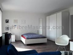 Apartment Frankfurt Frankfurt am Main Located in Frankfurt/Main, this apartment features a terrace and a garden. The apartment is 6 km from the Frankfurt Trade Fair. Free private parking is available on site.
