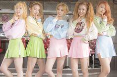 Red Velvet's Manager Criticized for Cursing at Fans After Music Bank Appearance | Koogle TV