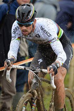 Zdeněk Štybar est un coureur cycliste tchèque. Spécialisé dans la pratique du cyclo-cross, il est champion du monde en 2010, 2011 et 2014, et remporte la Coupe du monde de cyclo-cross en 2009-2010. Wikipédia
