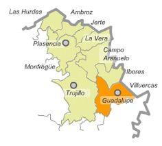 Las Villuercas Caceres -.Su capital es Guadalupe, donde se encuentra el monasterio de Guadalupe, declarado Patrimonio de la Humanidad. Otras poblaciones de importancia son Logrosán, Berzocana, Cañamero , Alía y Navezuelas. En esta comarca se encuentra la mayor cantidad de pinturas rupestres de toda Extremadura,