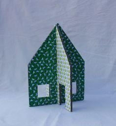 {Tuto} Maison en carton pour figurines - Enfants 2-12 ans - Pure Famille - How to make a cardboard house ?
