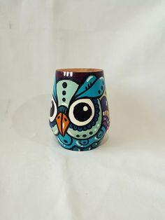 handmade hand painted wood matte rnrnSource by lourcanovai Pottery Painting Designs, Paint Designs, Painted Pots, Hand Painted, Painting On Wood, Dyi, Diy And Crafts, Mandala, Meraki