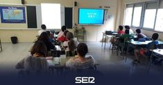 Proyecto Carmenta: menos libro y más tablet Stephen Hawking, Tv, Teaching Science, Kids Writing, Education System, Television Set, Television