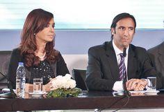 Cristina 'defendió' a Lorenzino: '¿Ven? No se quiere ir' - ¿Creés que la Presidente respaldó a su ministro? http://www.diarioveloz.com/c93557