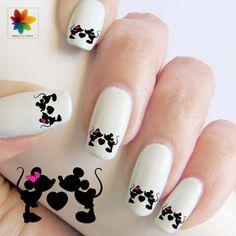 Minnie in Love, Disney Nail Art {Tutorial}