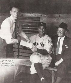 Frank Sinatra getting an autograph from Lou Gehrig (1939)