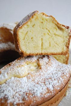 Ciambellone Ring Cake - Old Days Italian Staple - Ciambellone Recipe- This delicious classic Italian ring cake is simple, fast and butter-free. Get thousands of Italian recipes on Honest Cooking today. Italian Cake, Italian Cookies, Italian Torta Recipe, Baking Recipes, Cake Recipes, Dessert Recipes, Cheap Recipes, Fruit Recipes, Healthy Recipes